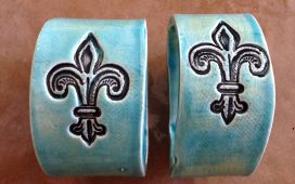Beth Ayer Design can customize accessories